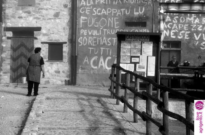 Scritte sui muri i love agrigento - Scritte muri casa ...
